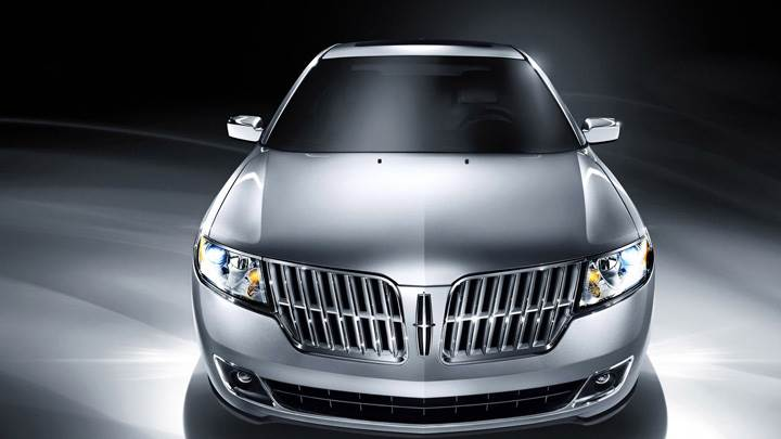 2010 Lincoln MKZ Front Pose In Silver